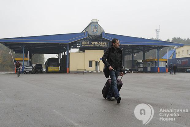 Четверта частина всієї України щороку їздить на сезонні заробітки за кордон