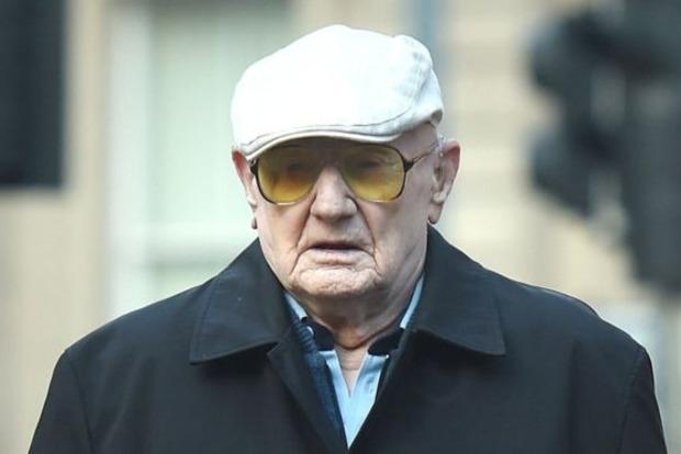 В Британии за разврат и содомию  судят 101-летнего мужчину