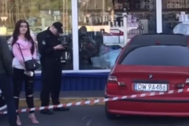 Адская парковка: Женщина разбила четыре авто и протаранила Эпицентр в Киеве