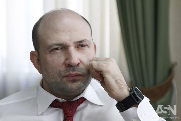Лев Парцхаладзе: Треба не закривати школи, а будувати такі, щоб діти самі захотіли в них перейти