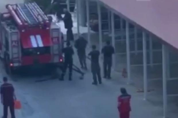 Только что в Одессе на парковке взорвалась машина (обновлено)