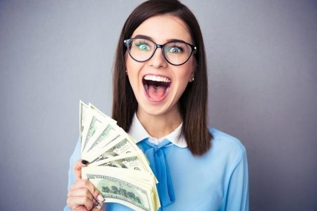 5 знаков Зодиака, которым никогда нельзя давать в руки много денег
