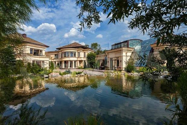 500 млн долларов. Как выглядит самый дорогой дом в России и наверное, в мире