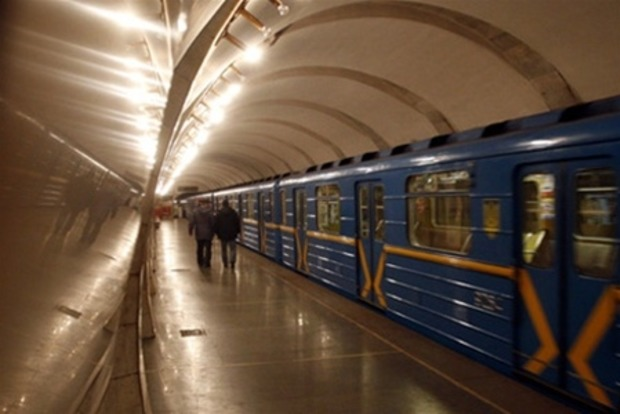 Метрополитен Киева начали усиленно охранять после терактов в Петербурге