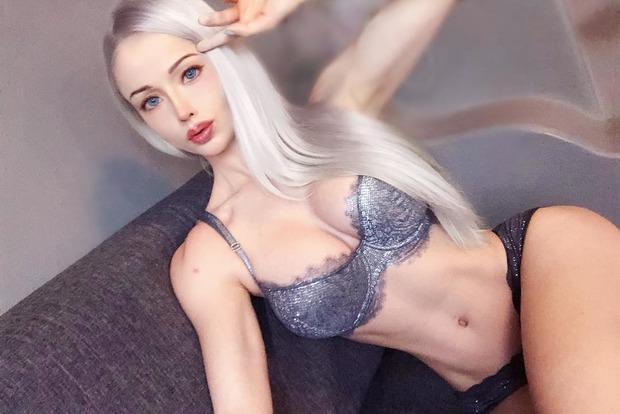Одесская Барби накачалась и выложила полуобнаженные фото в сеть