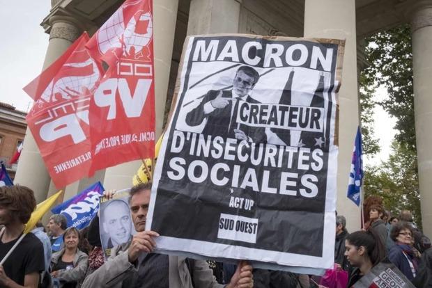 В Париже протестуют из-за нового трудового законодательства. Отменены авиарейсы, не ходит транспорт