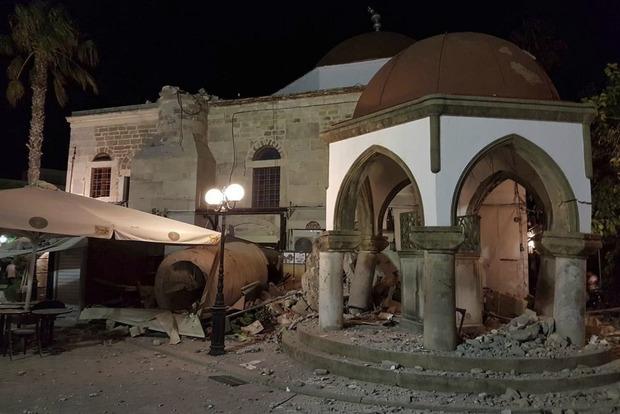 Потужний землетрус уТуреччині: Сейсмологи заявили про утворення цунамі