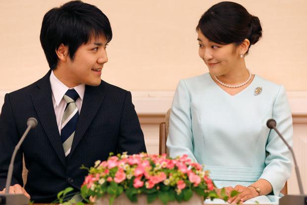Японская принцесса внезапно отложила свадьбу с однокурсником