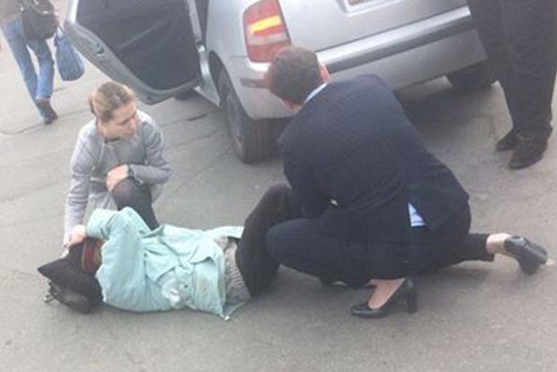 У женщины, сбитой автомобилем Савченко, компрессионный перелом колена