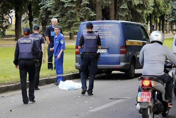 В центре Днипра автомобиль на переходе сбил насмерть 9-летнюю девочку