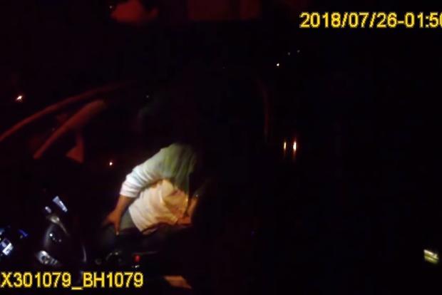 Пьяный судья суда покусал патрульного в Одессе (видео 18+)
