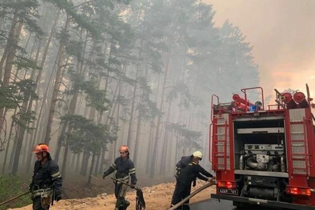 На Луганщине во время ликвидации возгорания подорвался пожарный автомобиль