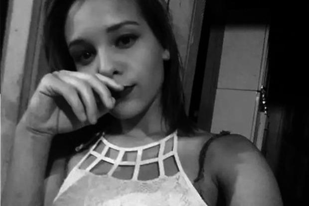 Школьница убила себя после публикации ее интимных фото в Сети