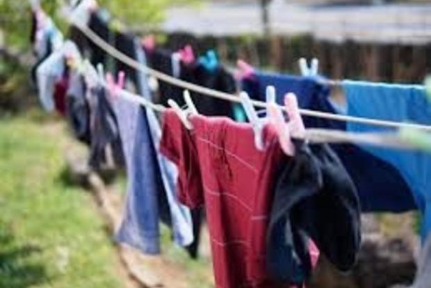 Что надо срочно выбросить: 5 предметов одежды, разрушающих энергетику
