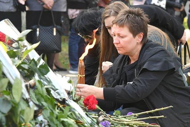 Вся Керчь пришла проститься с жертвами керченского стрелка