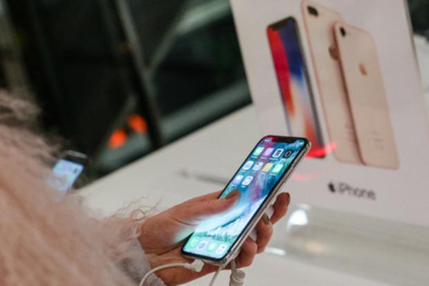 Грабитель, укравший телефон, отправил свое фото собственнику вОдессе