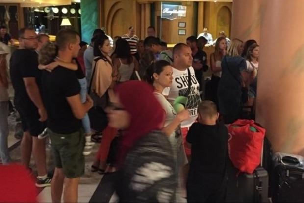 Более 200 туристов из Украины застряли в Египте