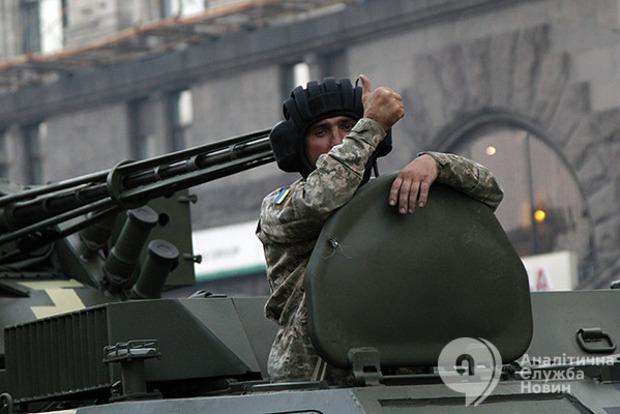 У Президента хотят, чтобы местные власти взяли опеку над несколькими сотнями воинских частей