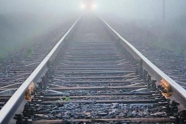 Осталась без ноги: 15-летняя девочка попала под поезд
