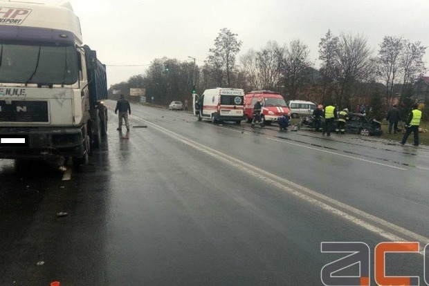 В жутком ДТП в Черновцах погибло четыре человека