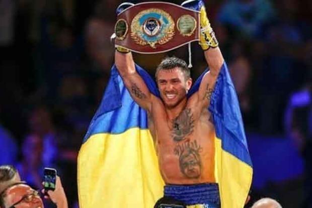 Порошенко поздравил Ломаченко с блестящей победой