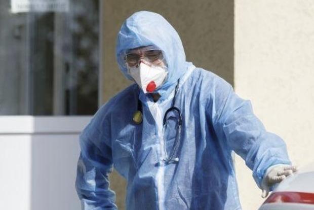 За минулий день в Україні померло максимальне число захворілих коронавірусів з початку пандемії