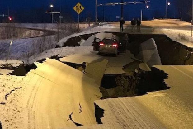 Дороги потрескались как шоколад. Жуткие последствия землетрясения на Аляске
