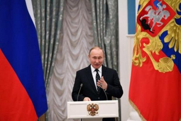 Путин объявил , что США «потакают террористам», устраивая атаки наСирию