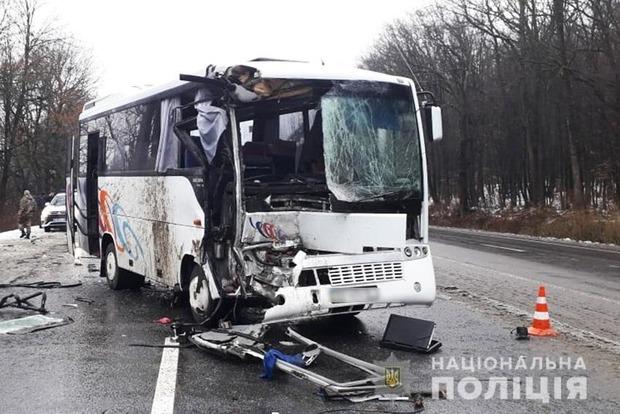 Під Хмельницьким розбився атобус: шість постраждалих