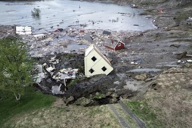 В Норвегии часть города ушла под воду