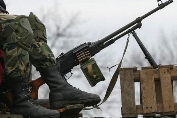 Сутки на Донбассе : 39 обстрелов, двое раненых