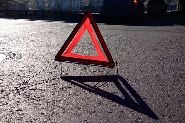 НаЛьвовщине при столкновении маршрутки сдеревом пострадали 9 пассажиров