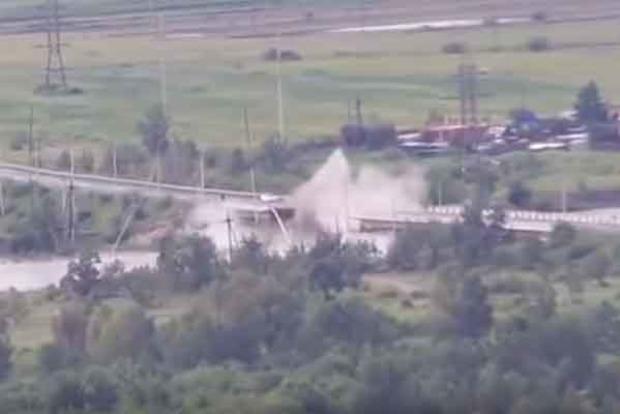 В России смыло очередной мост. Опубликовано видео