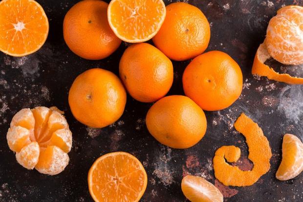 Диетологи напомнили, кому нельзя есть мандарины