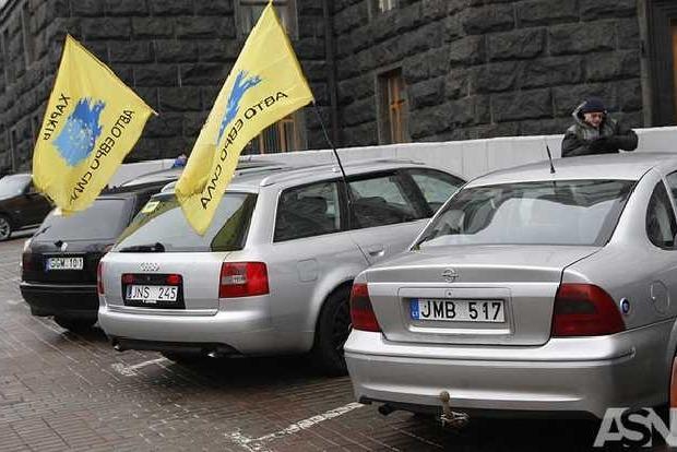 Антибляховские посты заработали на трассах Украины