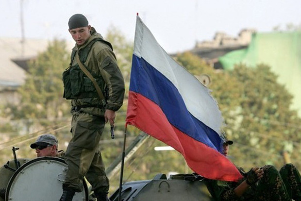 Три отчета о военных преступлениях на Донбассе уже в Гааге