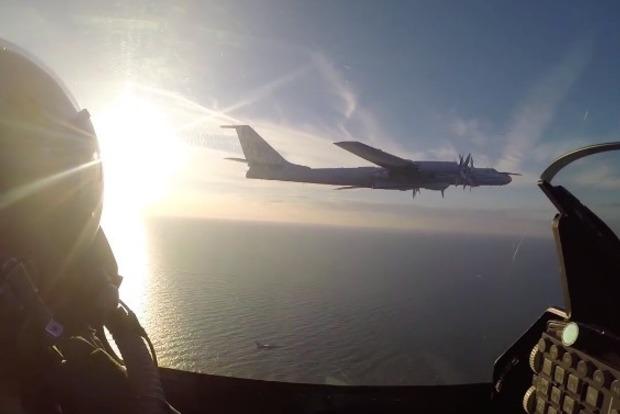 Истребители ВВС Дании перехватили российский бомбардировщик