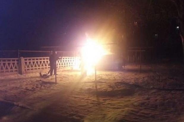 В Кривом Роге в горящем автомобиле обнаружено тело мужчины