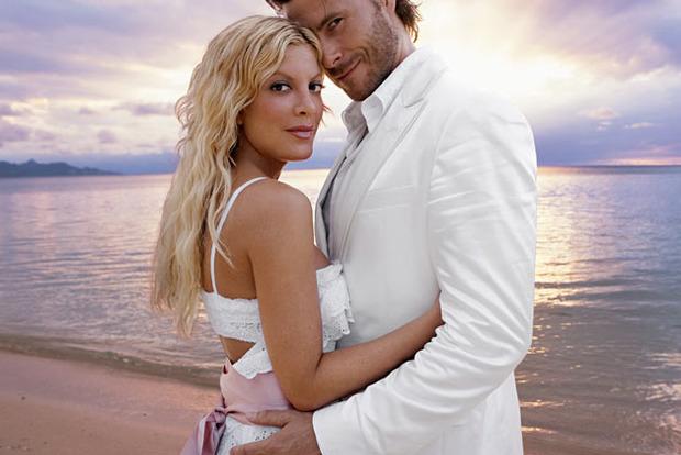 Актриса из сериала Беверли-Хиллз 90210 избила своего мужа