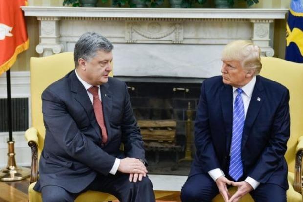 Порошенко не верит в российские связи американского президента