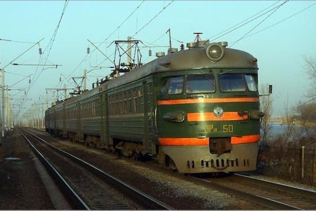 В Житомирской области, спрыгивая с поезда, погиб 17-летний парень