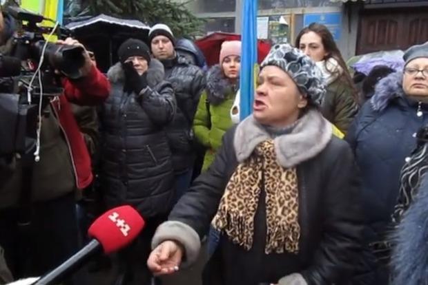 Перекройте это дерьмо! Жители Красногоровки требуют запретить российские телеканалы