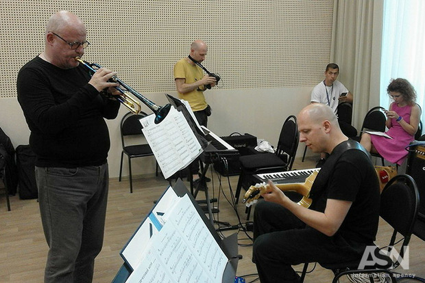 Лауреат «Греммі» виступатиме з Національним президентським оркестром України