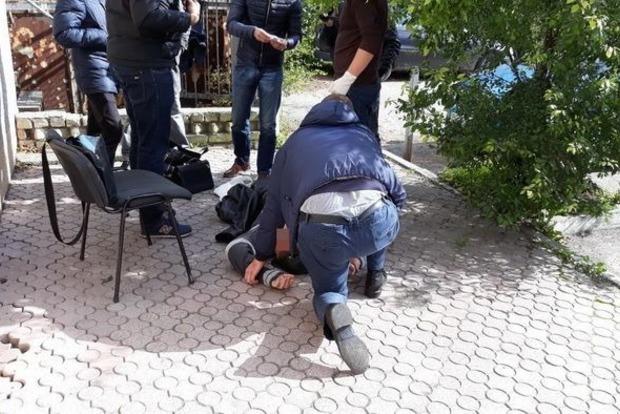 СБУ словила на взятке таможенника во Львовской области