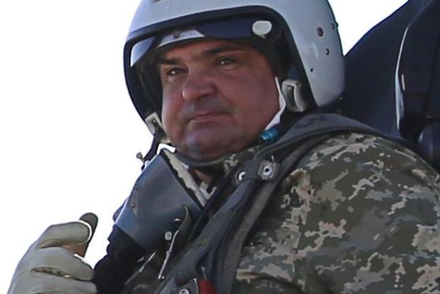 Умань прощается с погибшим во время военных учений на Винниччине летчиком