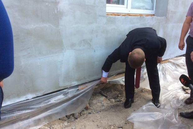 Под Киевом школу построили на бумаге, а государственные деньги разворовали