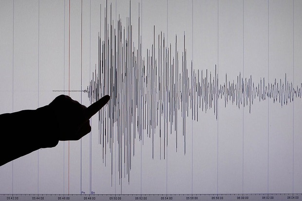 В результате землетрясения в Индонезии погибли более 90 человек