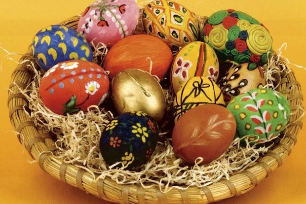 Почему на Пасху расписывают и красят яйца