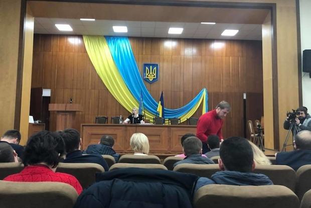 Насессии вгорсовете включили гимн РФ