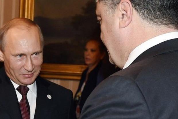 Фото к материалу: Очковтирательство. Порошенко ответил на предложение Путина по миротворцам